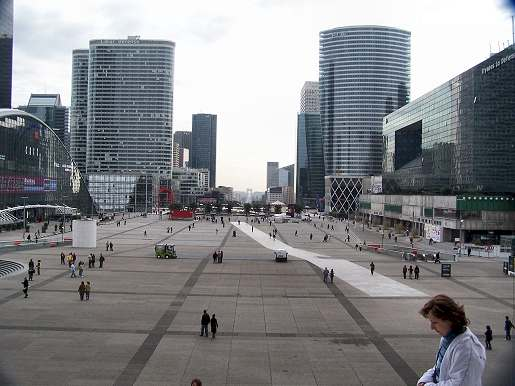 La Defense, Paris | www.